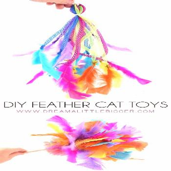 DIY Feather Cat Toys If your kitty loves feathers, and what cat doesn't, she's going to LOVE these